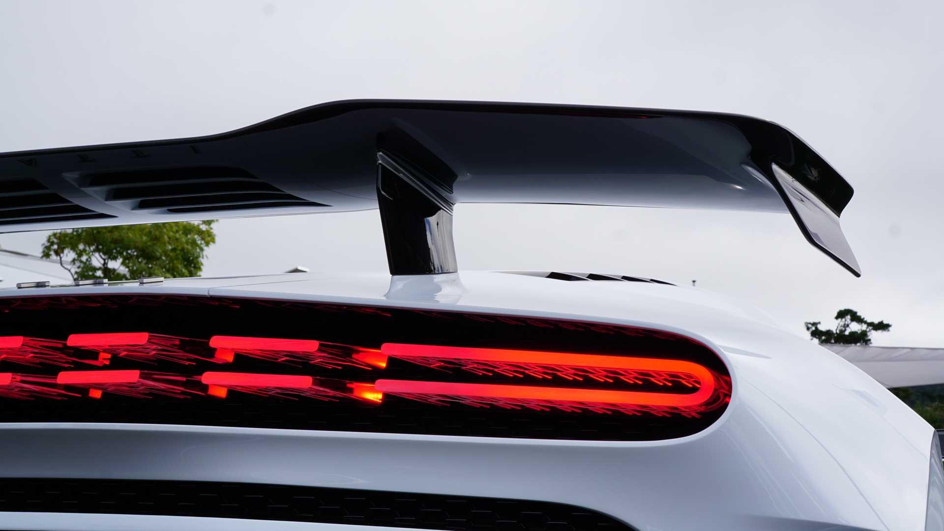 Bugatti Centodieci – siêu xe 9 triệu đô cháy hàng ngay khi ra mắt 11