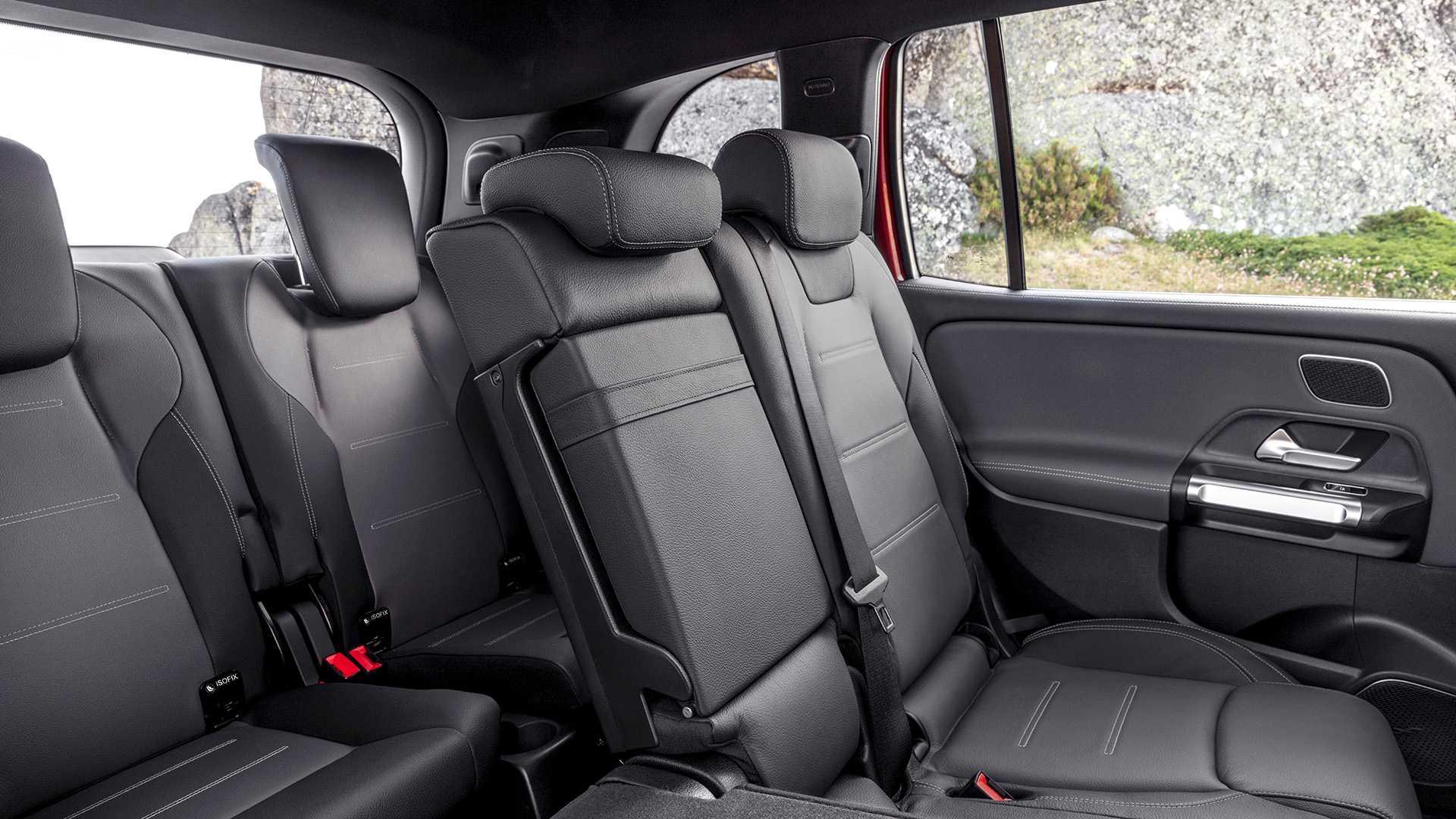 Mercedes-AMG GLB 35 - SUV cỡ nhỏ 7 chỗ mạnh hơn 300 mã lực 20