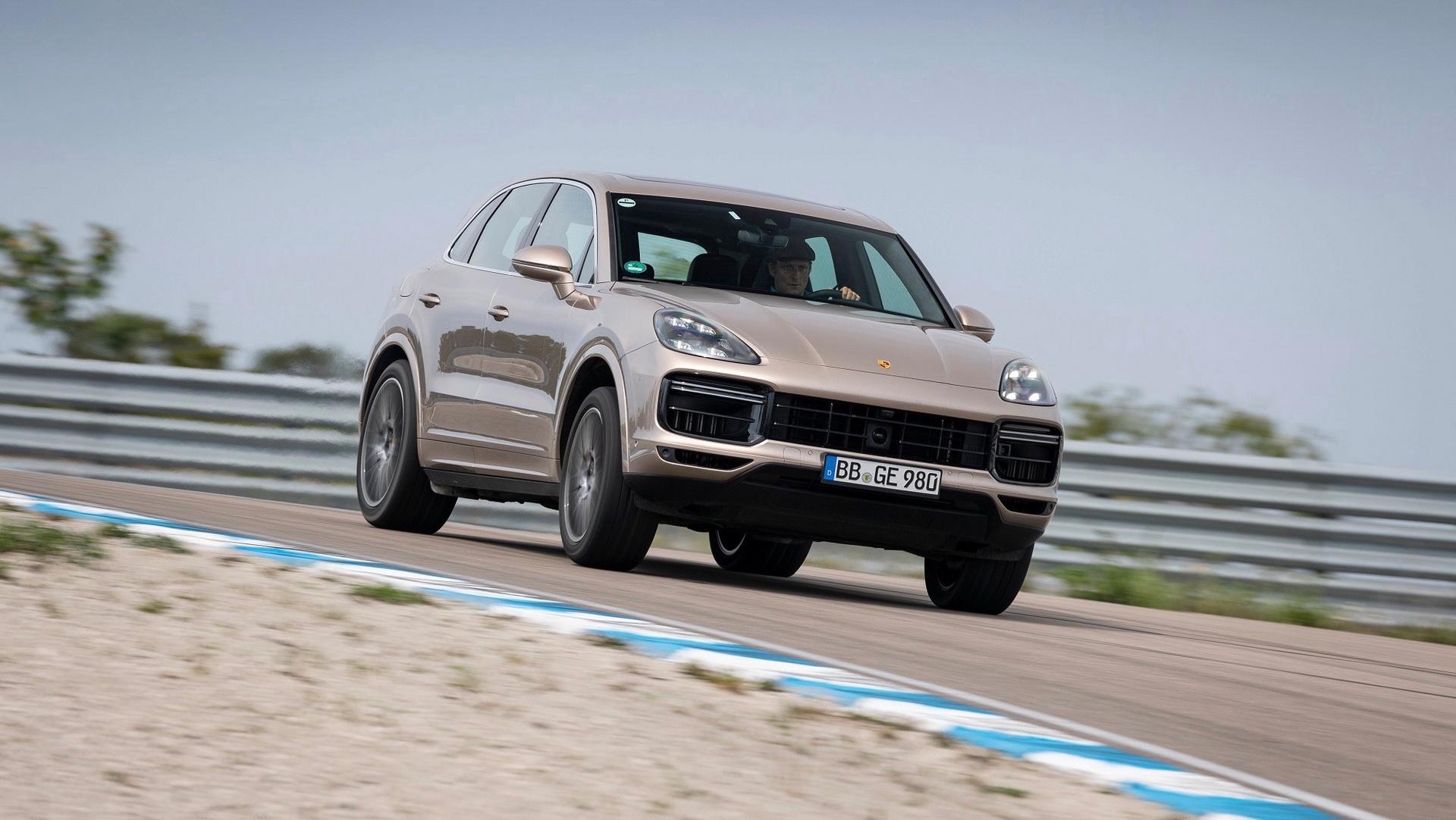Porsche Cayenne Turbo S E-Hybrid ra mắt có giá từ 161.900 USD tại Mỹ - 10
