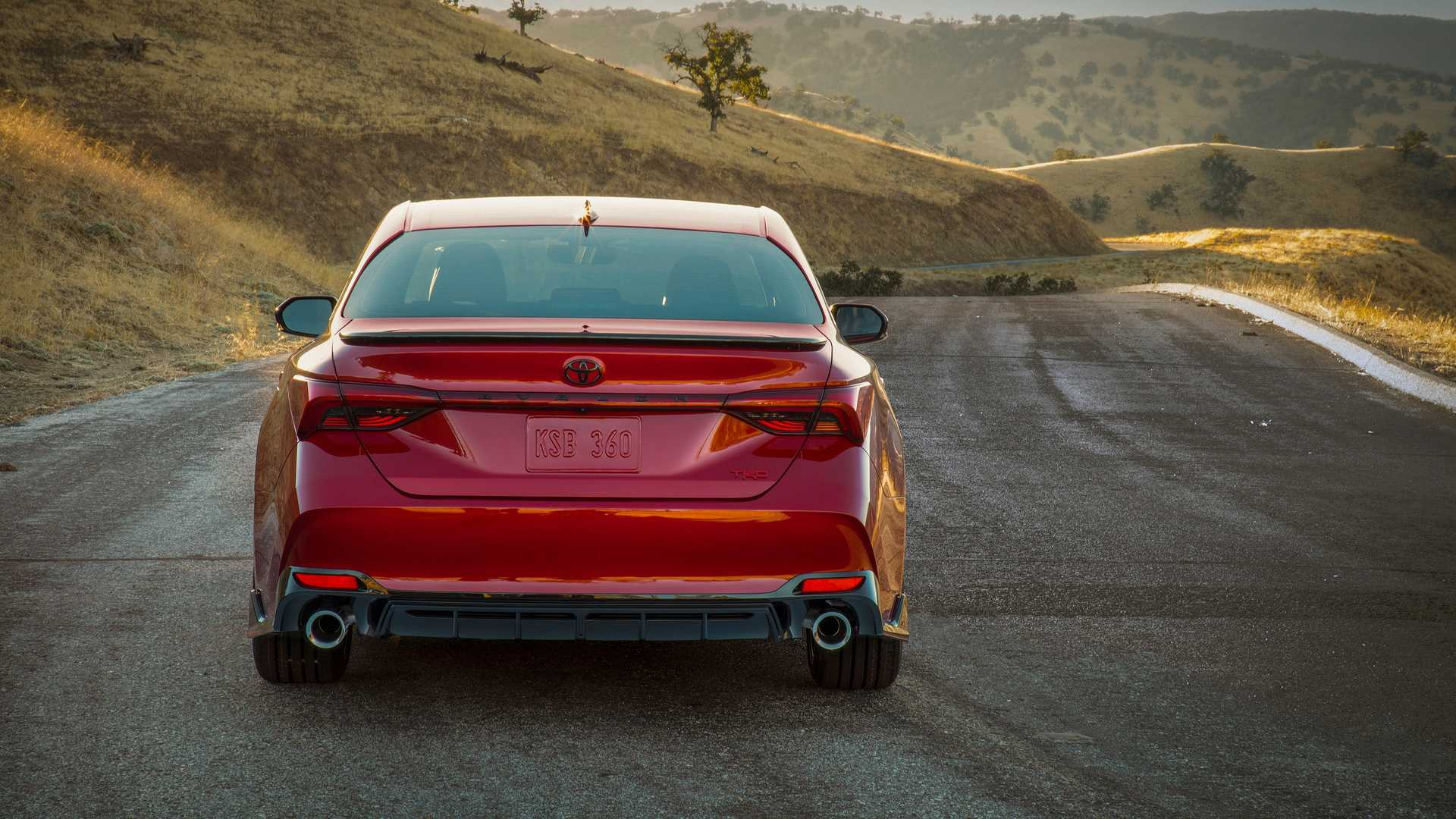 Sedan Toyota Avalon TRD 2020 phiên bản thể thao vừa ra mắt có giá 1 tỉ đồng - 10