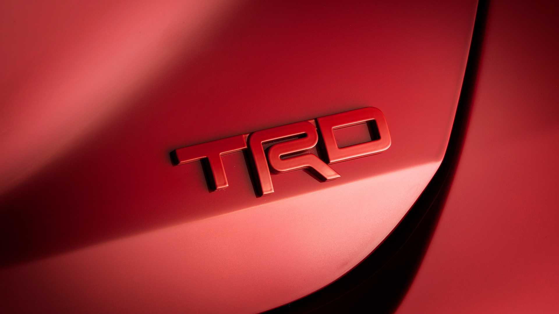 Sedan Toyota Avalon TRD 2020 phiên bản thể thao vừa ra mắt có giá 1 tỉ đồng - 4