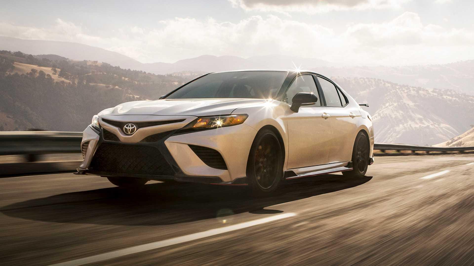 Toyota Camry TRD 2020 sản xuất giới hạn, công bố giá từ 744 triệu - 04