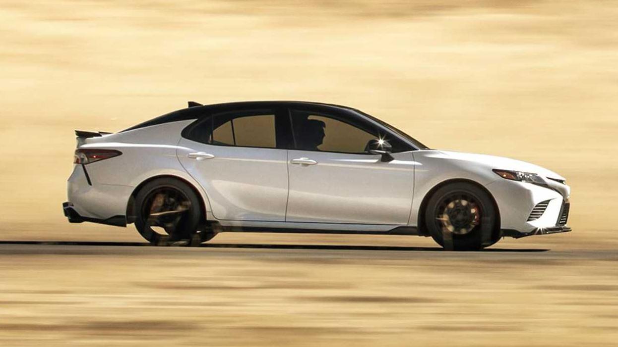Toyota Camry TRD 2020 sản xuất giới hạn, công bố giá từ 744 triệu - 05