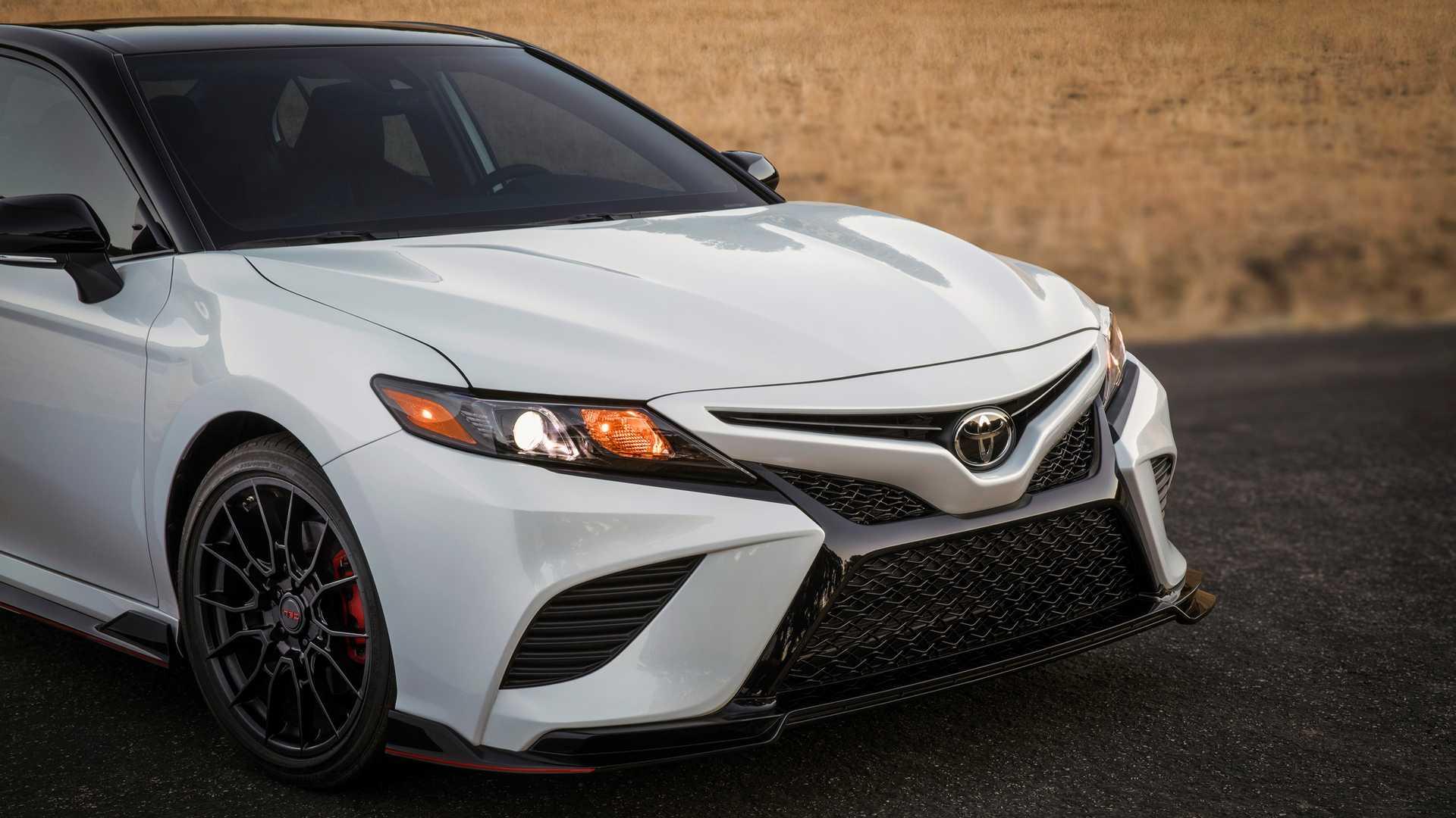 Toyota Camry TRD 2020 sản xuất giới hạn, công bố giá từ 744 triệu - 07