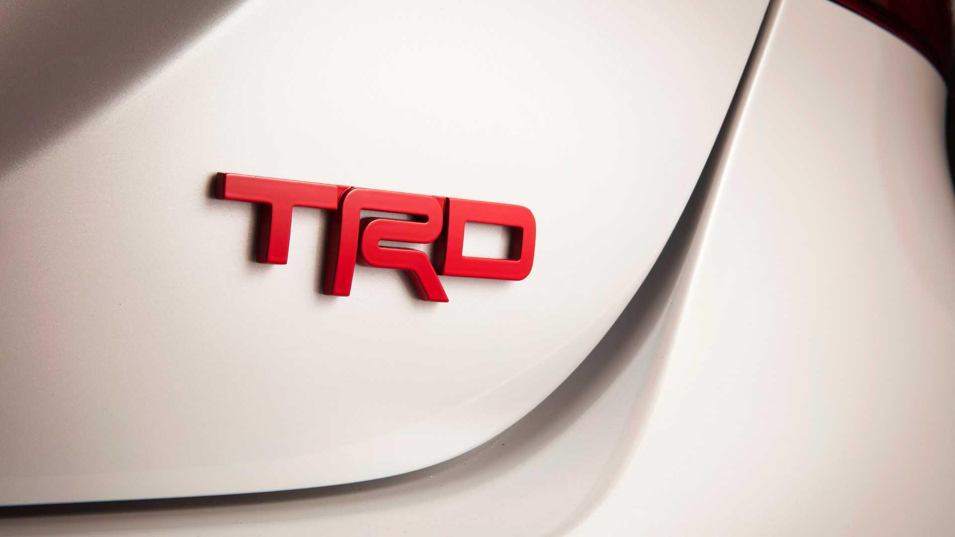 Toyota Camry TRD 2020 sản xuất giới hạn, công bố giá từ 744 triệu - 09