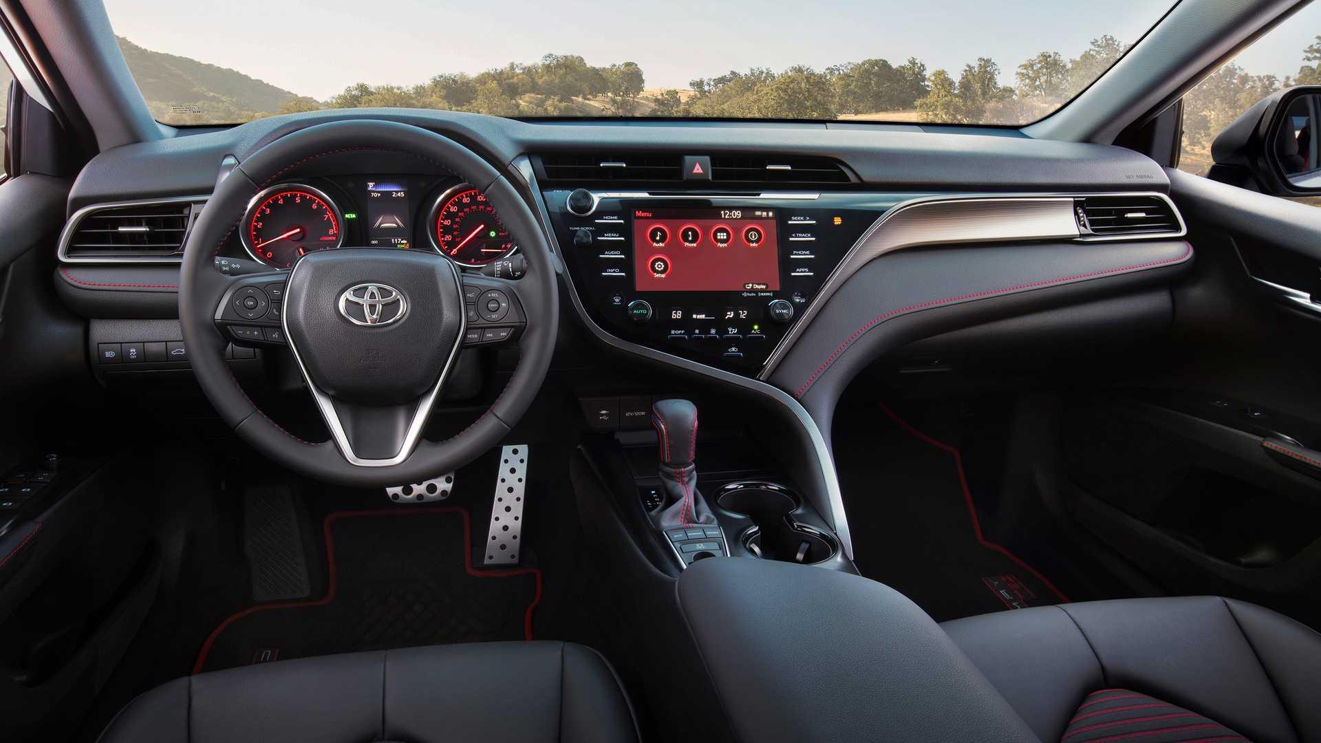 Toyota Camry TRD 2020 sản xuất giới hạn, công bố giá từ 744 triệu - 11