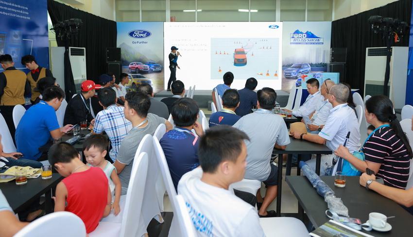 Ford Việt Nam khởi động chương trình lái thử xe Ford Roadshow 2019 - 7