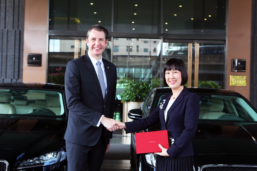 Jaguar Việt Nam bàn giao 3 xe XF Prestige cho Intercontinental Hanoi Landmark72 - 3