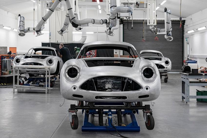 Aston Martin DB4 GT Zagato Continuation - 1