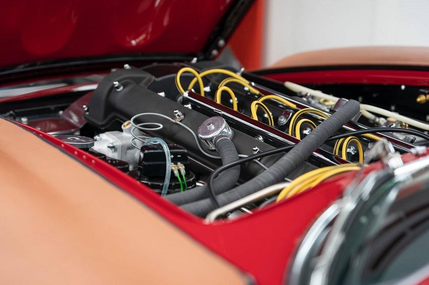 Aston Martin DB4 GT Zagato Continuation - 13