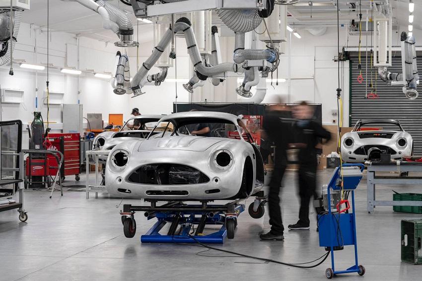 Aston Martin DB4 GT Zagato Continuation - 7
