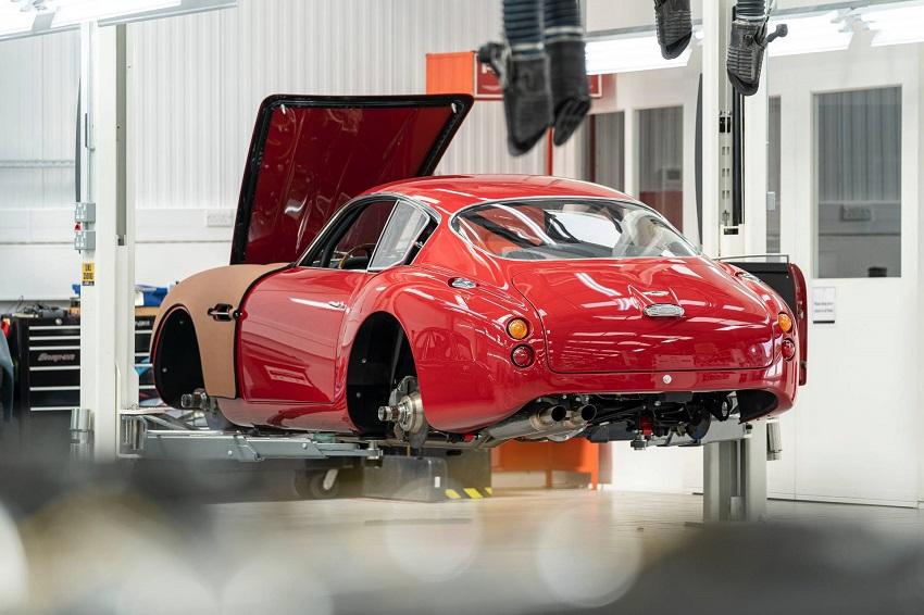 Aston Martin DB4 GT Zagato Continuation - 9