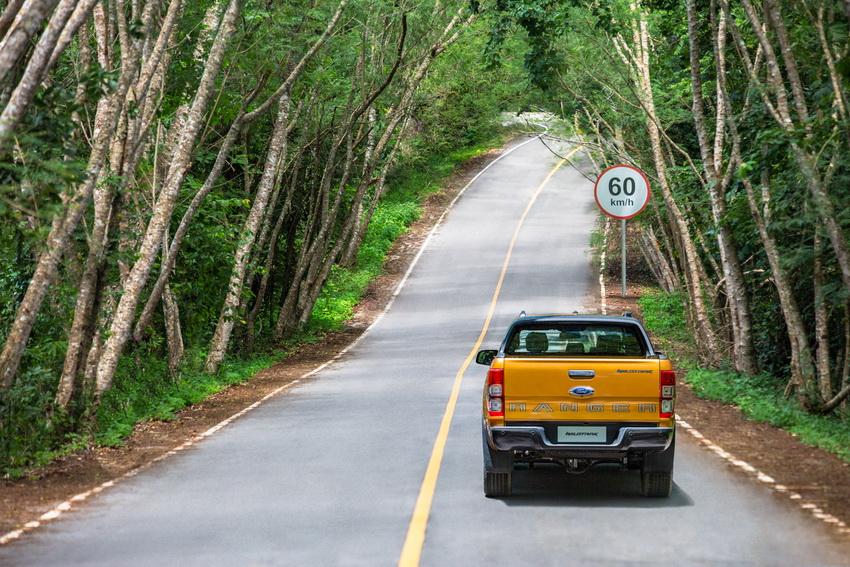 lưu ý cần thiết khi du lịch xuyên quốc gia bằng ô tô