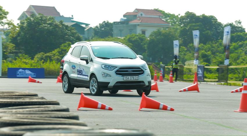 Ford Việt Nam khởi động chương trình lái thử xe Ford Roadshow 2019 - 6