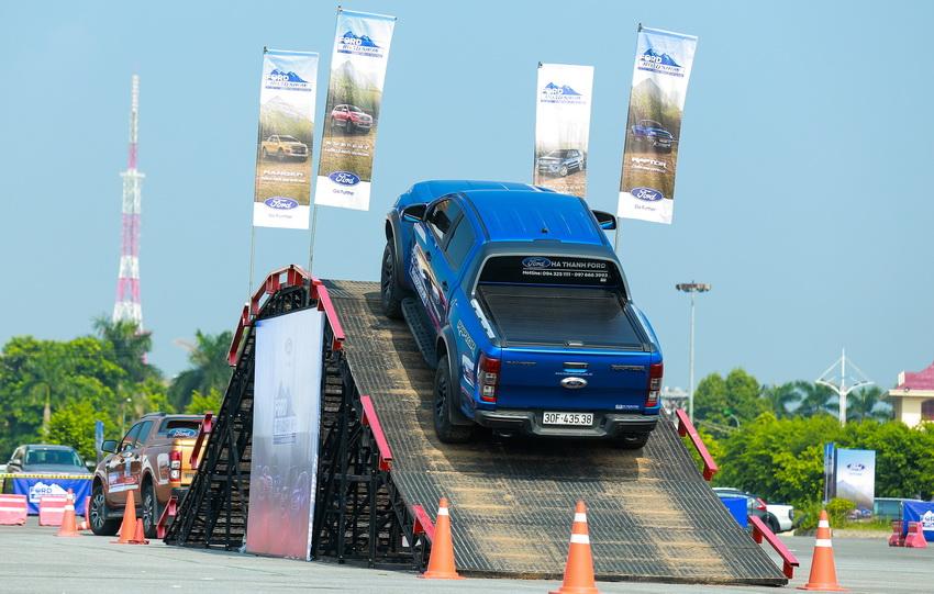 Ford Việt Nam khởi động chương trình lái thử xe Ford Roadshow 2019 - 3