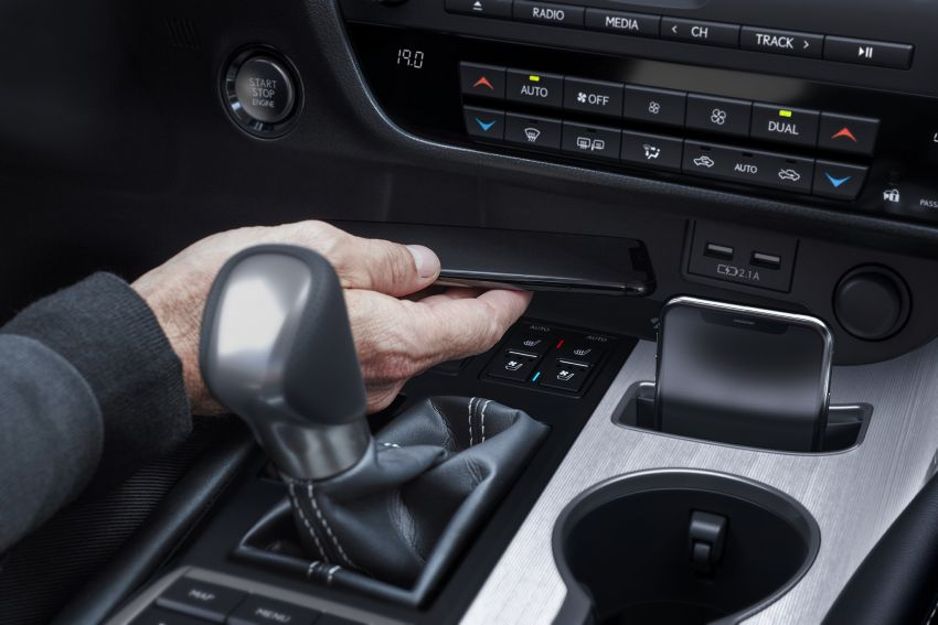 Lexus RX facelift 2020 ra mắt 3 phiên bản tại Malaysia, giá từ 2,23 tỉ đồng-15
