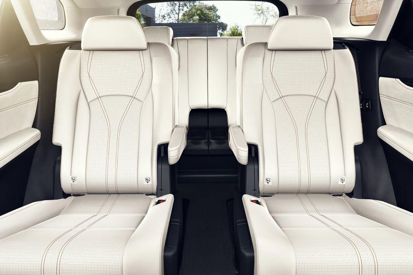 Lexus RX facelift 2020 ra mắt 3 phiên bản tại Malaysia, giá từ 2,23 tỉ đồng-12