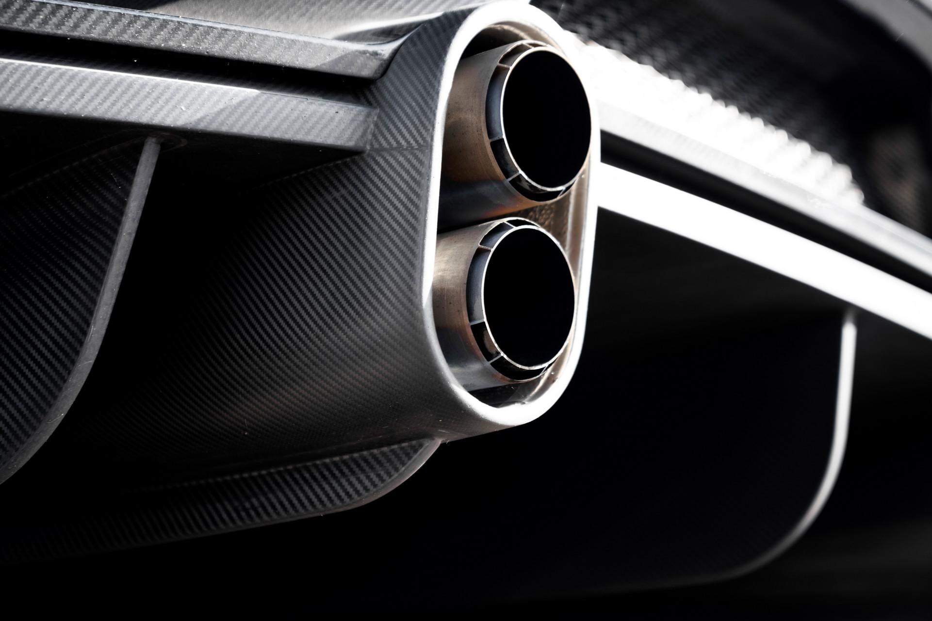 Bugatti bán sạch 30 siêu xe Chiron gần 4 triệu USD chỉ trong một buổi tối 5