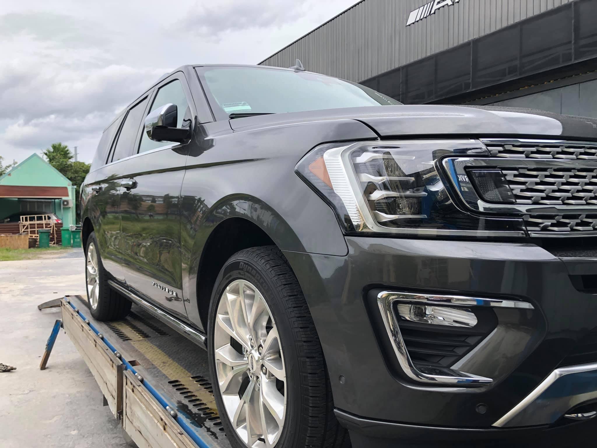 Ford Expedition 2019 phiên bản Platinum cao cấp nhất đầu tiên về Việt Nam - 2