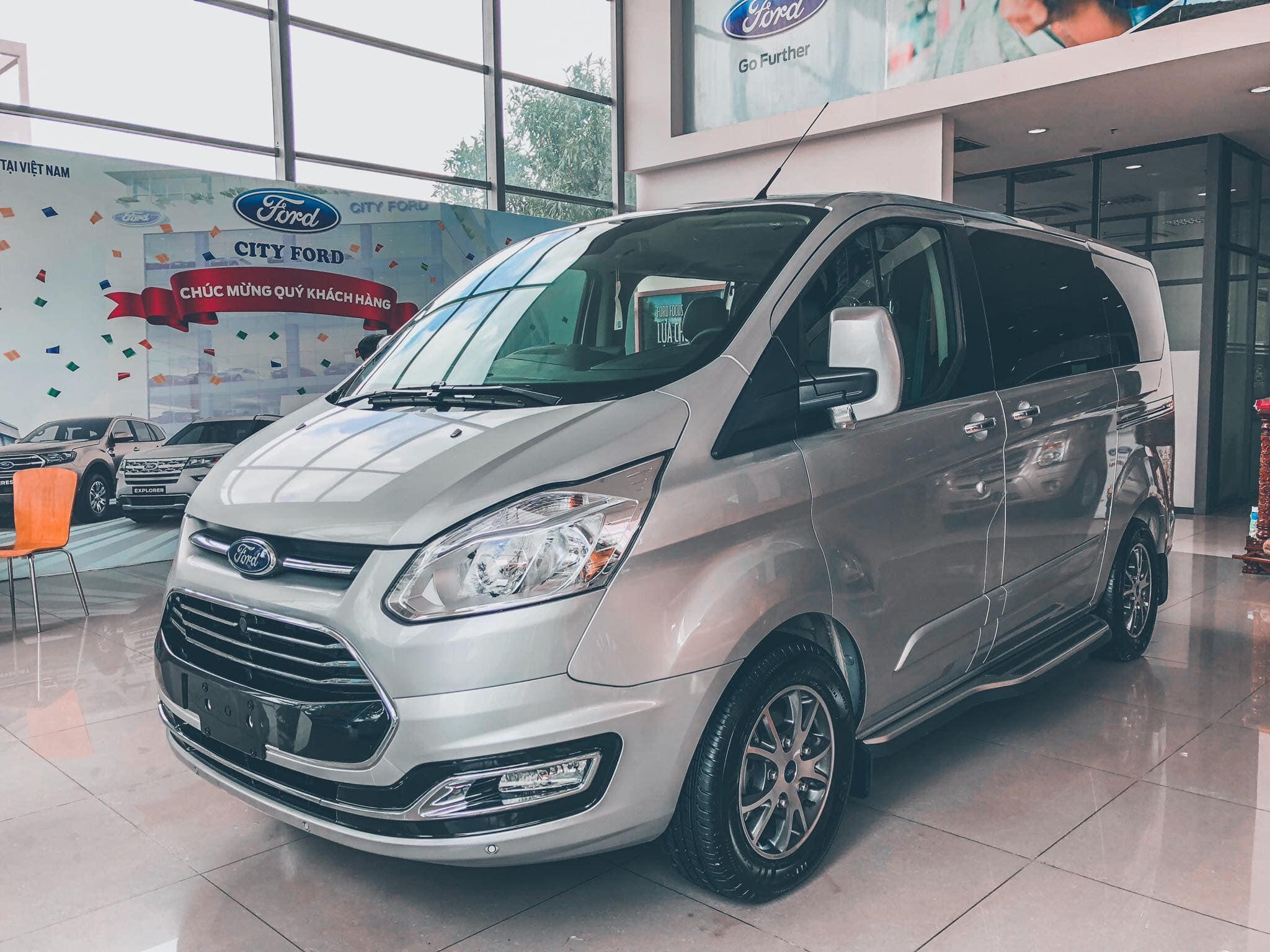 Ford Tourneo sắp được ra mắt tại Việt Nam - 01