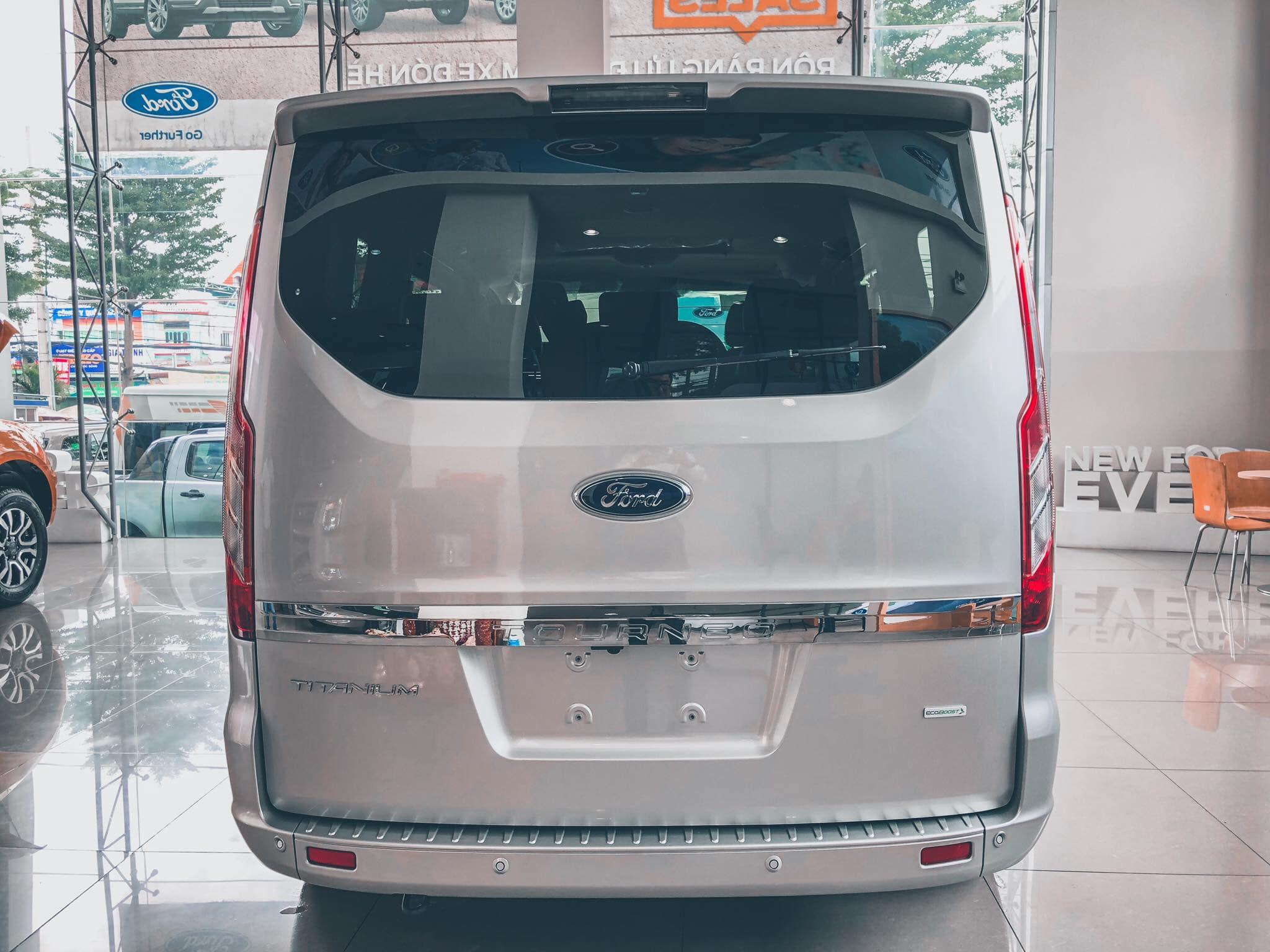 Ford Tourneo sắp được ra mắt tại Việt Nam - 05
