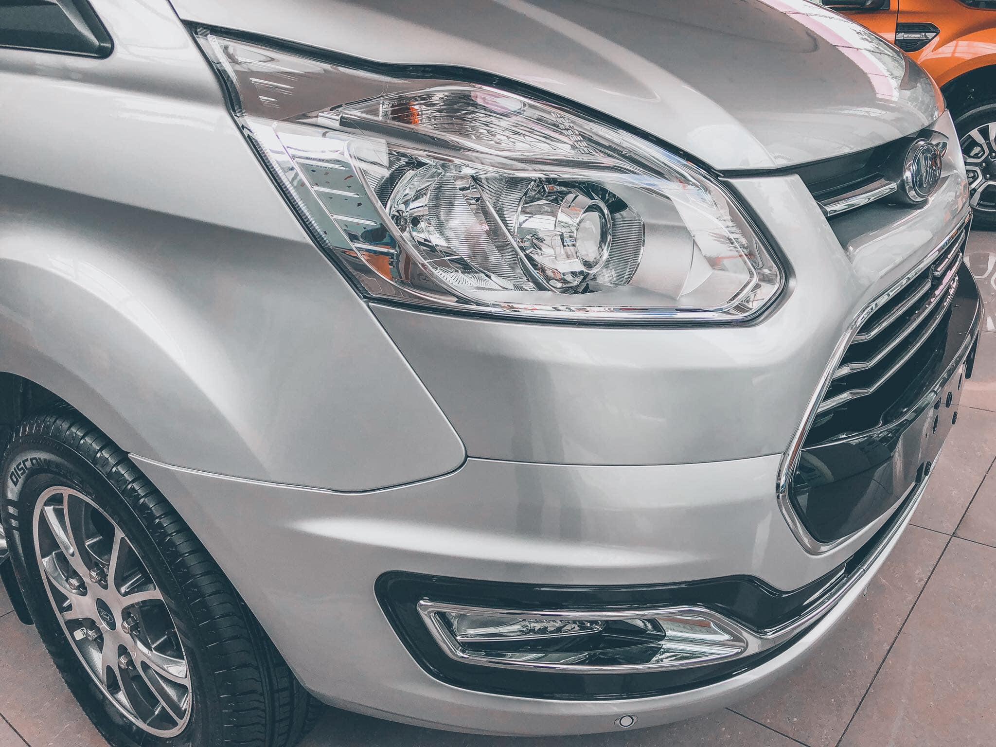Ford Tourneo sắp được ra mắt tại Việt Nam - 06