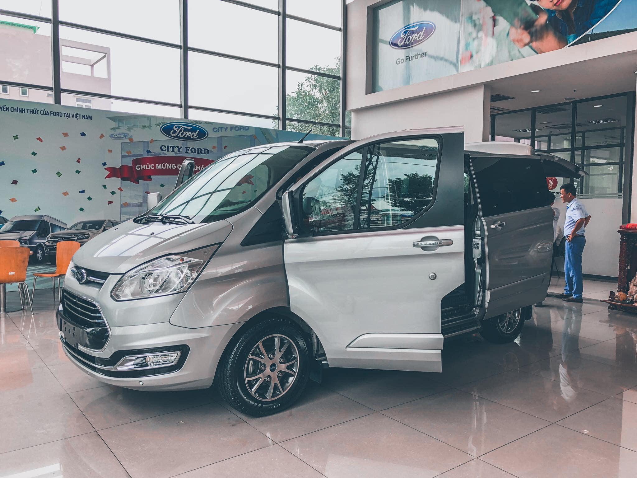 Ford Tourneo sắp được ra mắt tại Việt Nam - 07