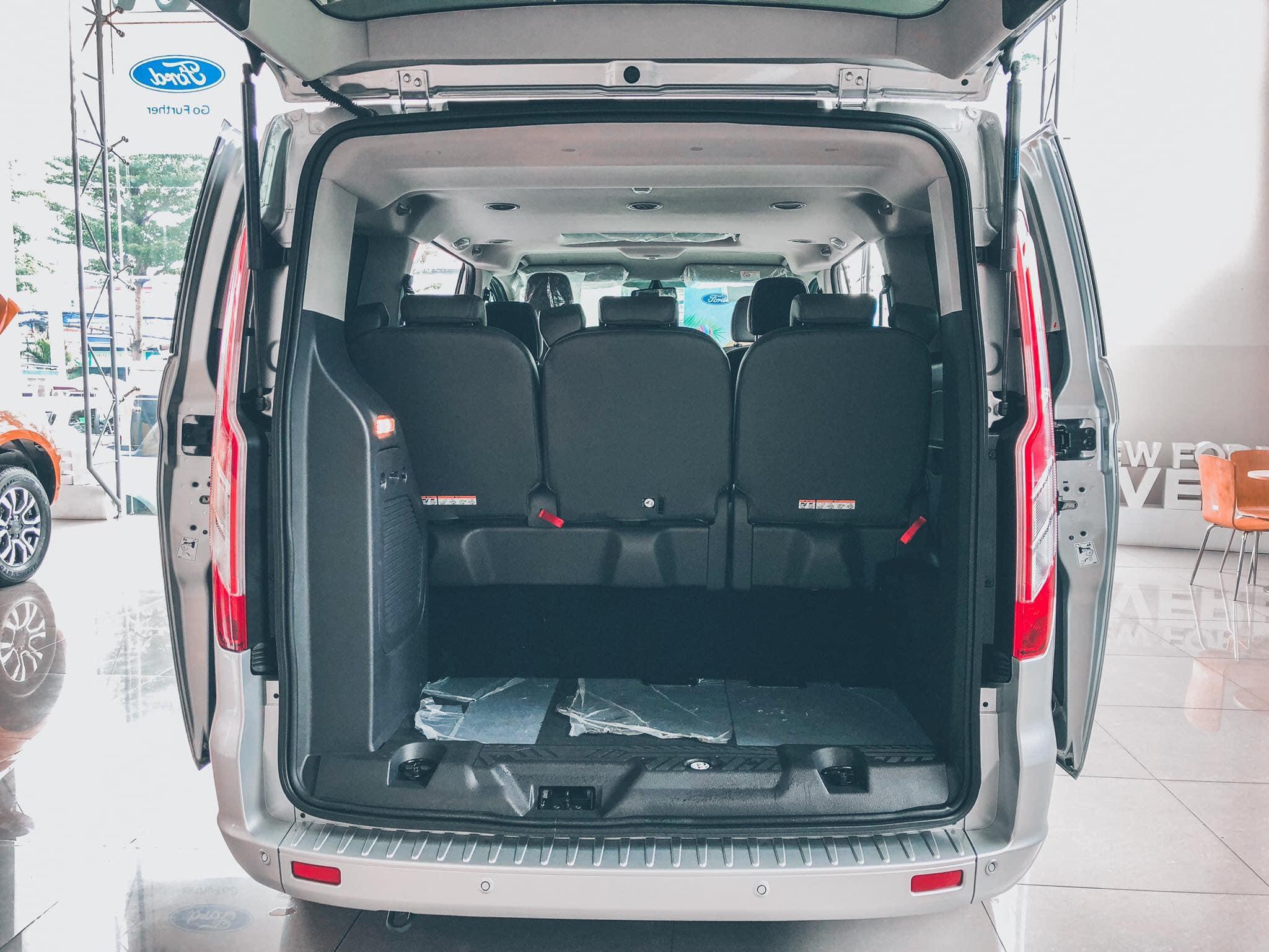 Ford Tourneo sắp được ra mắt tại Việt Nam - 09