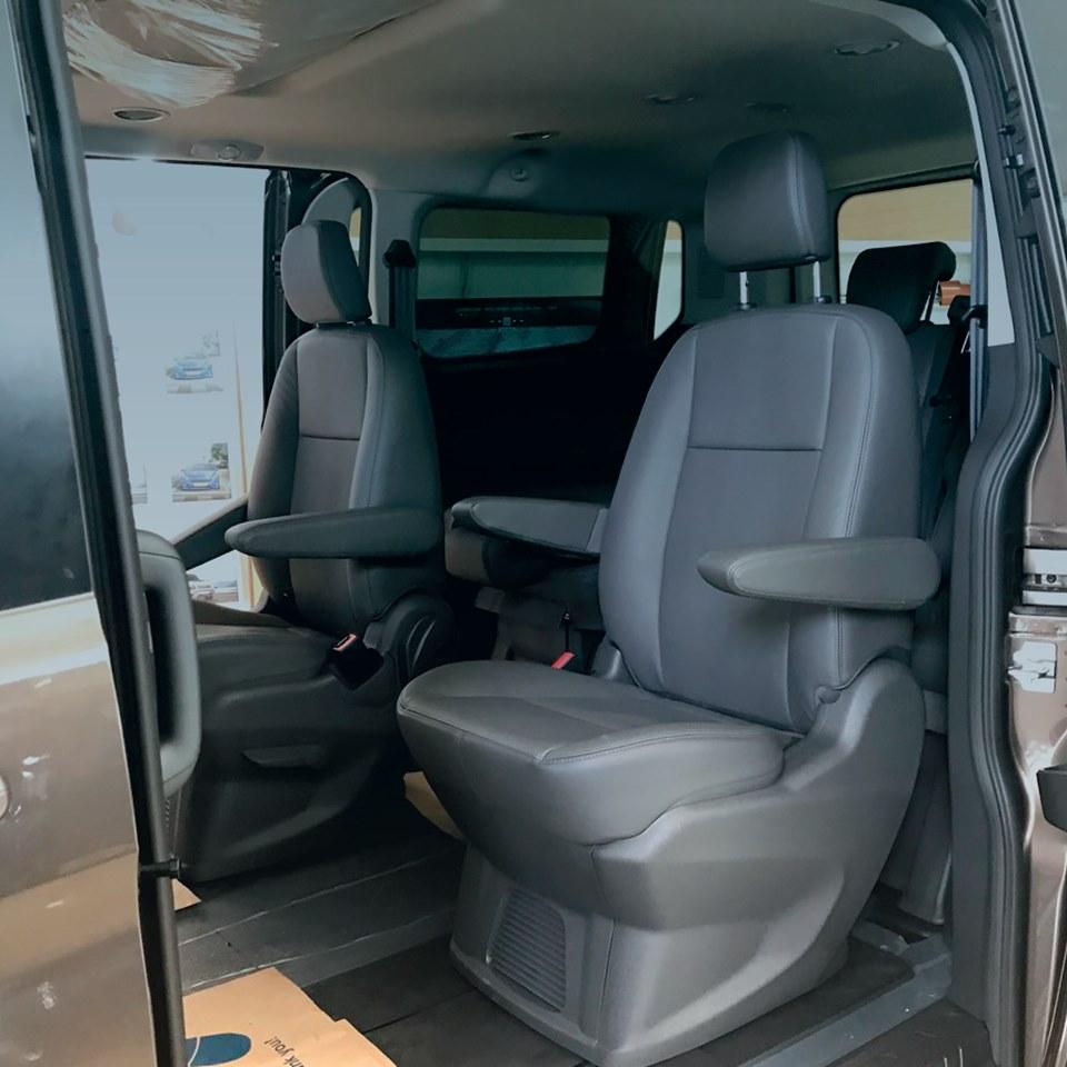 Ford Tourneo sắp được ra mắt tại Việt Nam - 17