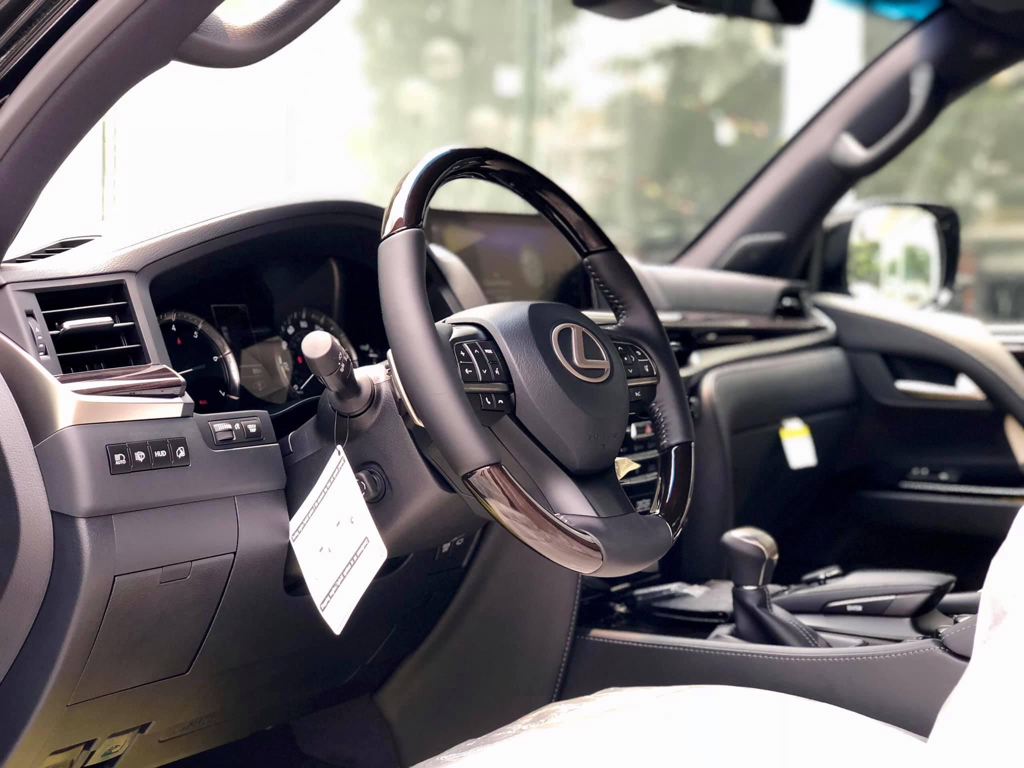 Lexus LX 570 Inspiration hàng hiếm về Việt Nam - 1