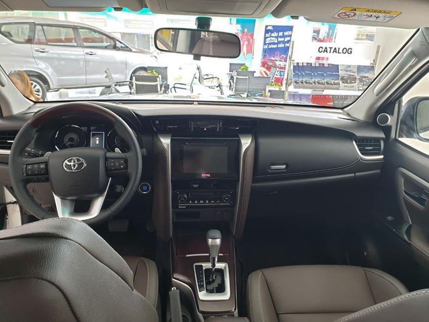 Cận cảnh Toyota Fortuner TRD giá 1,2 tỉ đồng tại Việt Nam - 3