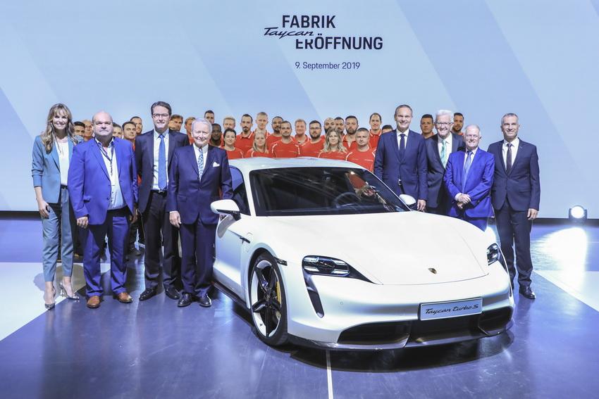 Porsche xây dựng nhà máy sản xuất dòng xe thể thao thuần điện Taycan - 2