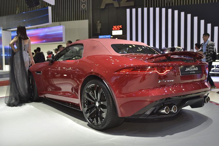 [VMS 2019] Cận cảnh Jaguar F-Type phiên bản R Convertible giá 13 tỉ đồng tại Việt Nam - 11