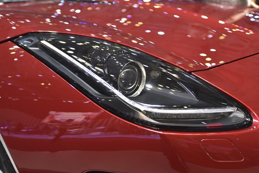 [VMS 2019] Cận cảnh Jaguar F-Type phiên bản R Convertible giá 13 tỉ đồng tại Việt Nam - 7