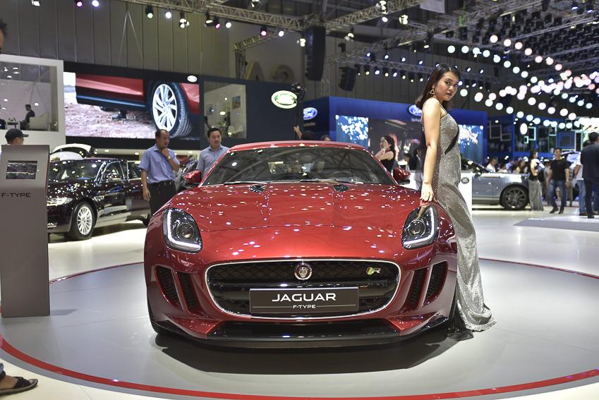 [VMS 2019] Cận cảnh Jaguar F-Type phiên bản R Convertible giá 13 tỉ đồng tại Việt Nam - 4