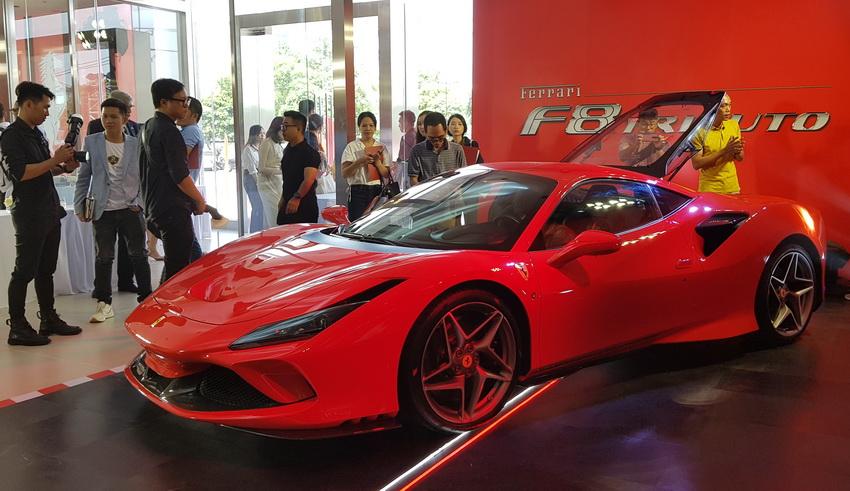 Cận cảnh siêu phẩm Ferrari F8 Tributo tại Việt Nam - 1