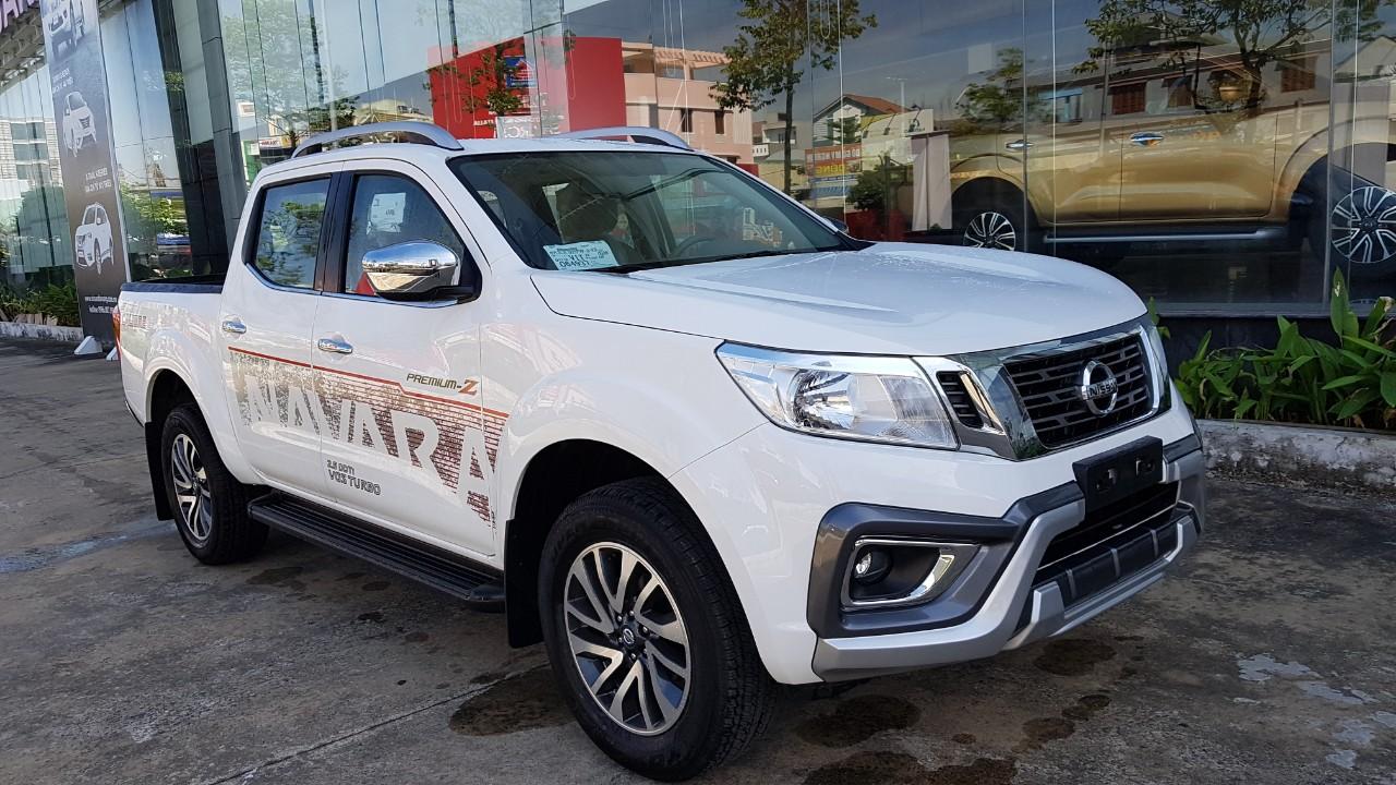 Những thay đổi trên Nissan Navara EL A-IVI mới ra mắt tại Việt Nam - 3