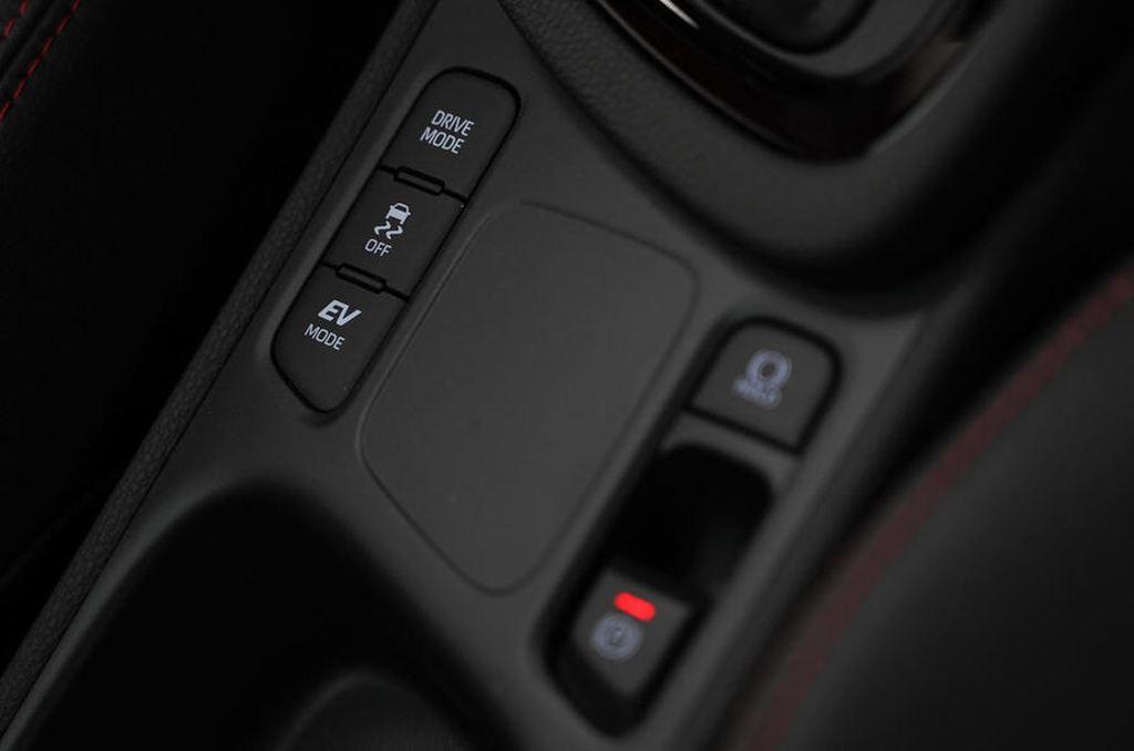 Toyota Yaris 2020 lộ diện thiết kế hoàn toàn mới - 11