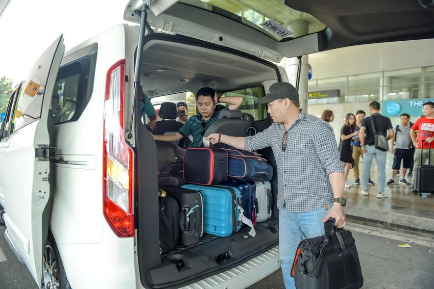 Trải nghiệm Ford Tourneo Mới: Tận hưởng sự êm ái và thoải mái cho những chuyến đi dài - 9