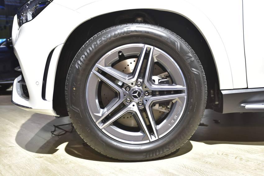 Cận cảnh Mercedes GLE 450 4MATIC mới giá 4,369 tỉ đồng ra mắt tại VMS 2019 - 25
