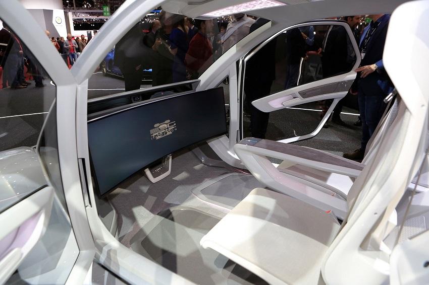 """Audi quyết định """"hạ cánh"""" dự án xe hơi bay - 9"""
