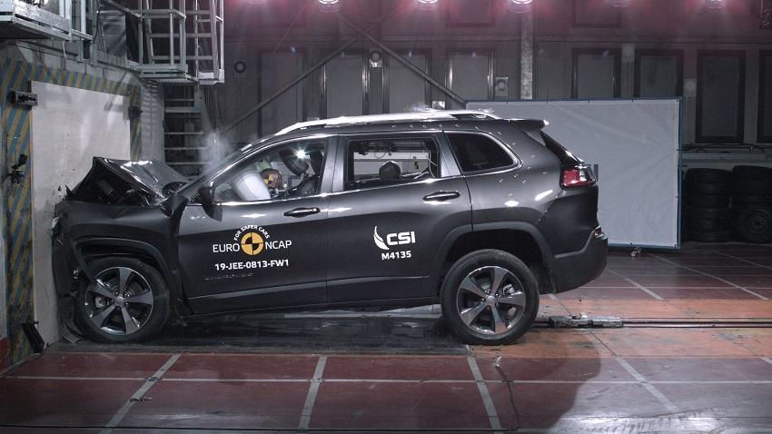 Euro NCAP cho điểm an toàn đối với BMW 1 và 3-Series mới, Peugeot 208 và Jeep Cherokee - 22