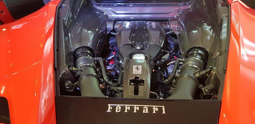 Cận cảnh siêu phẩm Ferrari F8 Tributo tại Việt Nam - 7