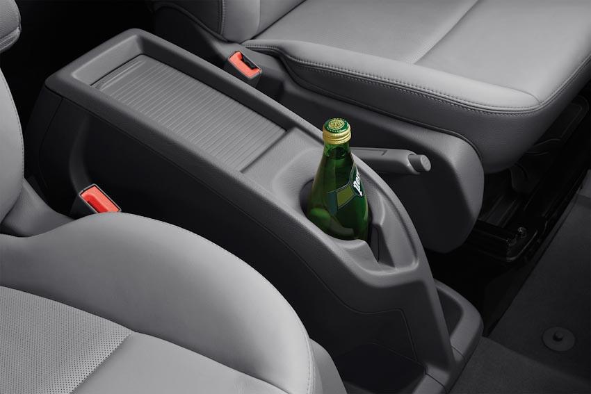 Trải nghiệm Ford Tourneo Mới: Tận hưởng sự êm ái và thoải mái cho những chuyến đi dài - 24