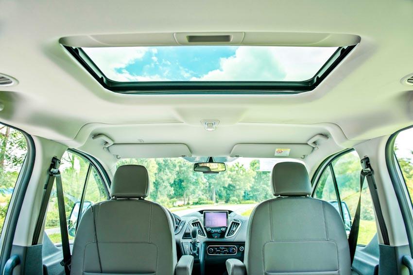 Trải nghiệm Ford Tourneo Mới: Tận hưởng sự êm ái và thoải mái cho những chuyến đi dài - 3
