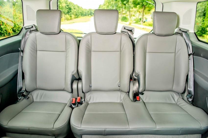 Trải nghiệm Ford Tourneo Mới: Tận hưởng sự êm ái và thoải mái cho những chuyến đi dài - 18