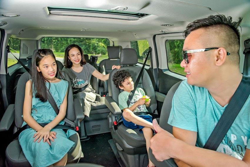 Trải nghiệm Ford Tourneo Mới: Tận hưởng sự êm ái và thoải mái cho những chuyến đi dài - 8
