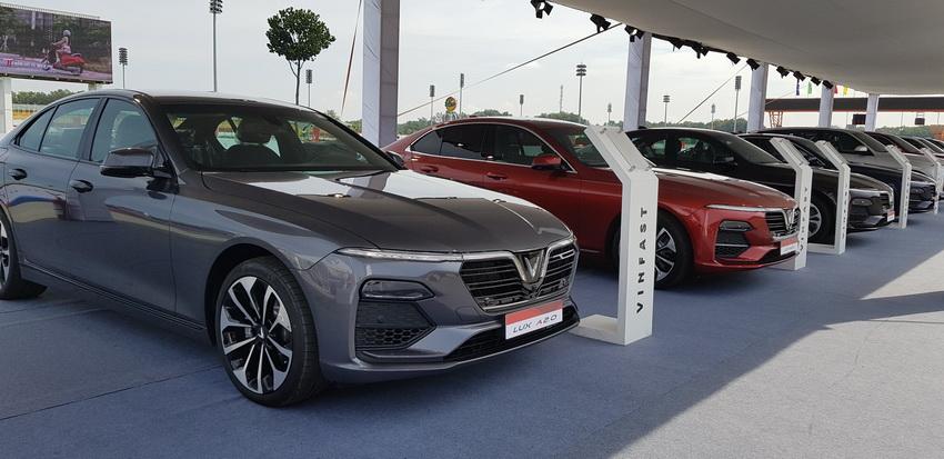 giá bán mới xe VinFast Lux