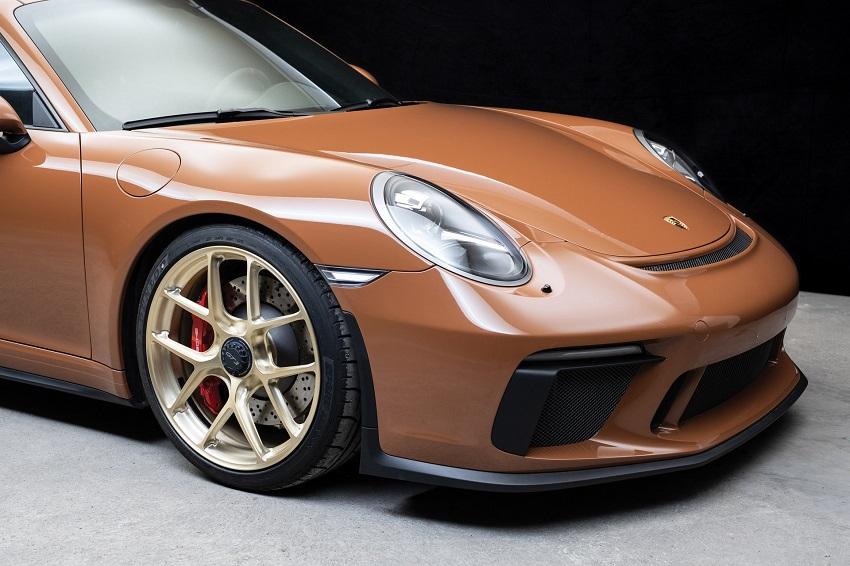 Chiếc Porsche 911 GT3 lạ mắt với màu sơn nâu phong cách thập niên 70 - 11