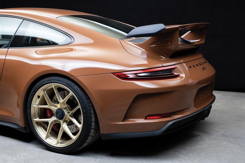 Chiếc Porsche 911 GT3 lạ mắt với màu sơn nâu phong cách thập niên 70 - 12